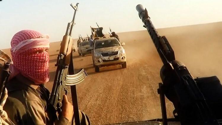Luces, cámara, acción y corten: revelan el mecanismo de propaganda del Estado Islámico