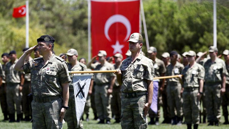 "Militares turcos detenidos, acusados de ""traición"" tras interceptar armas destinadas a Siria"