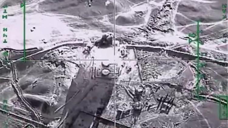 A vueltas con el petróleo: ¿Fue la 'conexión turca' con el EI lo que derribó al Su-24?