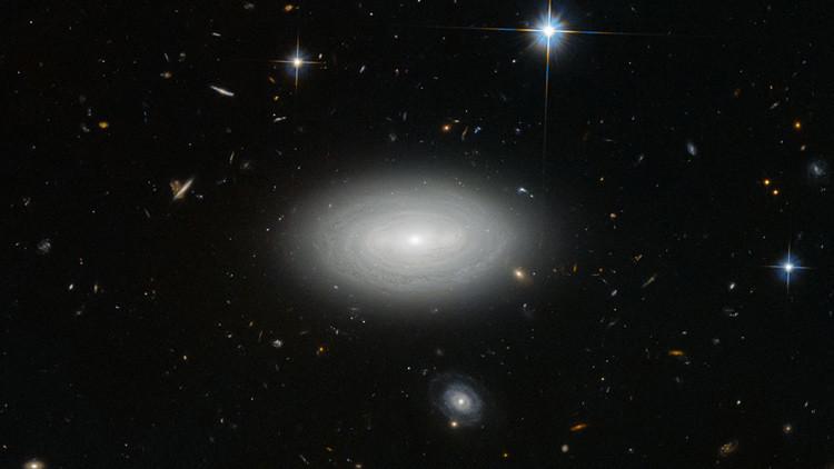 Galaxia LEDA 1852