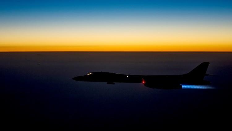 El bombardero B1-B Lancer vuela sobre el norte de Irak, el 27 de septiembre de 2014