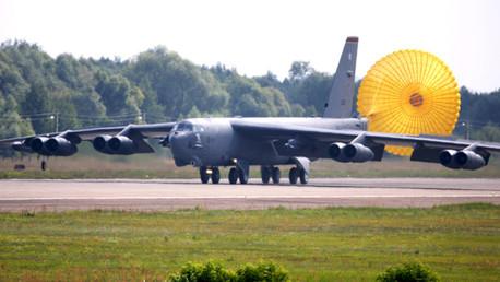 Un bombardero estadounidense B-52
