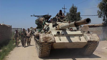 Milicia kurda peshmerga en los suburbios de la ciudad de Kirkuk, abril de 2015.
