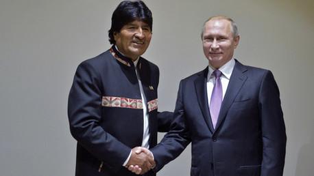 Presidente ruso Vladímir Putin y el mandatario boliviano Evo Morales en el marco del foro de Países Exportadores de Gas