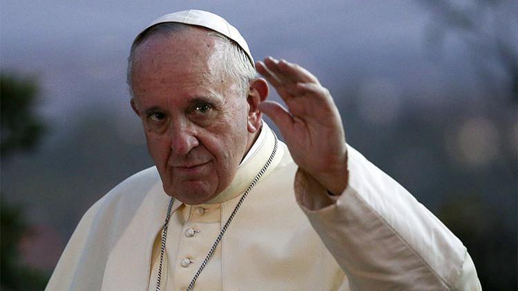 La impactante fotografía del papa Francisco en África que conmueve a la Red