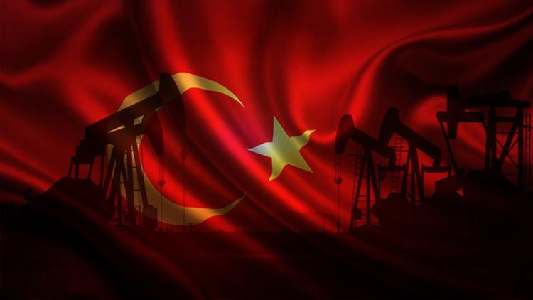 """""""Una banda de delincuentes y la élite turca roban el petróleo en Siria a escala industrial"""""""