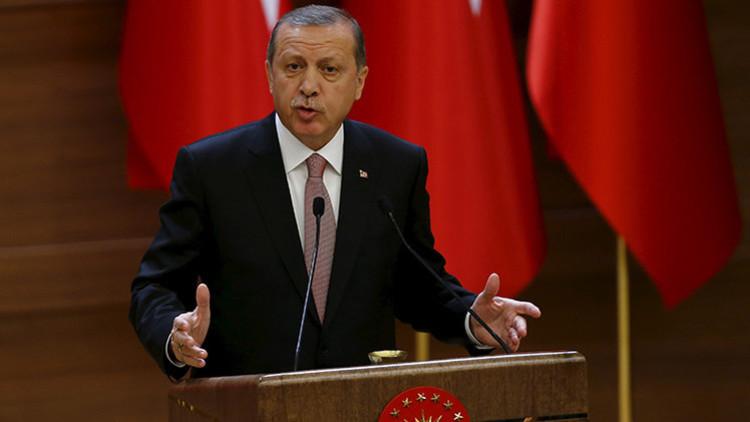 """""""La gente de Erdogan no reconocerán nada aunque sus caras estén manchadas de crudo robado"""""""