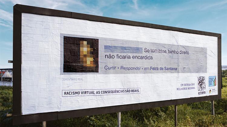 Colocan mensajes de usuarios racistas en pancartas gigantes cerca de sus casas en Brasil