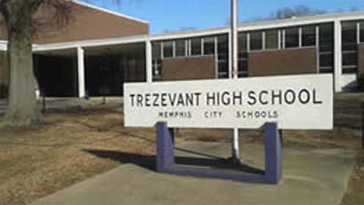 EE.UU.: Cierran un instituto de Memphis al descubrir a un estudiante con un arma