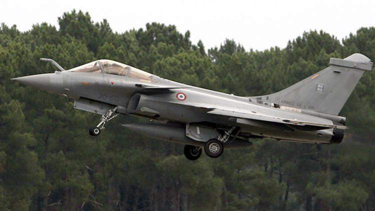Turquía permite que Francia utilice su espacio aéreo para atacar el EI