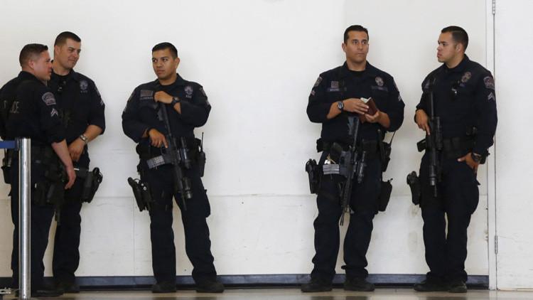 Tiroteo masivo en California: los criminales están fuertemente armados y llevan chalecos antibalas