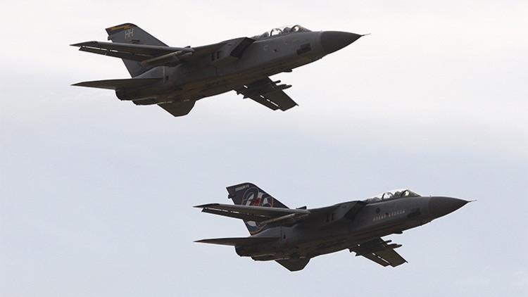 Reino Unido se une a la guerra: Cazas británicos bombardean al Estado Islámico en Siria