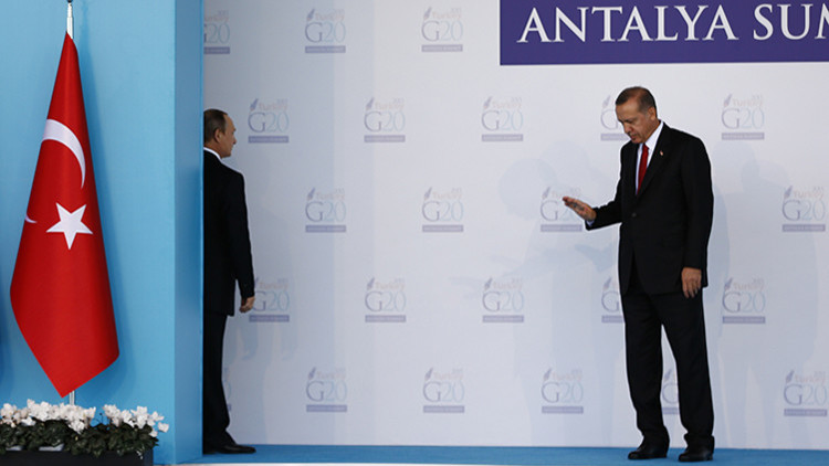 Vladímir Putin y Tayyip Erdogan durante la cumbre de los líderes del G20, celebrada en Turquía.