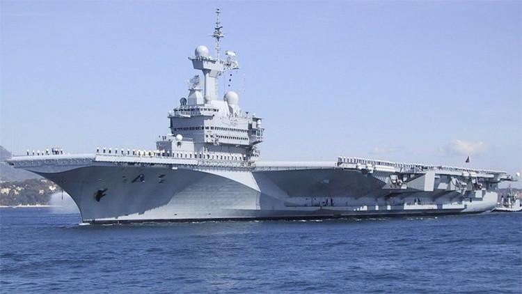 El portaaviones francés Charles de Gaulle será destinado al golfo Pérsico