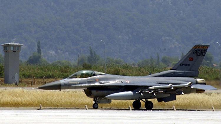 Turquía detiene sus misiones aéreas contra el Estado Islámico en Siria