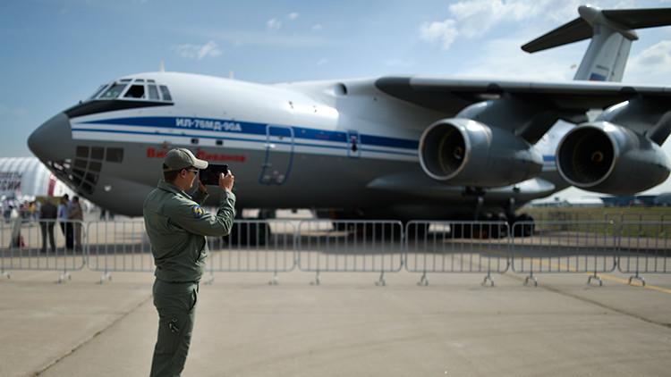 """Un modernizado Il-76 capaz de """"cegar"""" al enemigo, entra en servicio en la aviación rusa"""