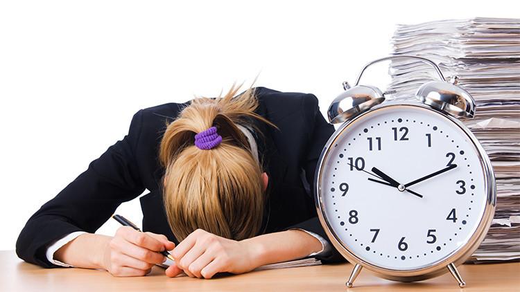 """Economista francés: """"Hay que reducir drásticamente las horas de trabajo"""""""