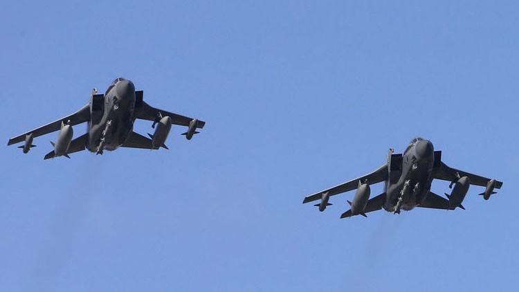 Dos bombarderos británicos Tornado