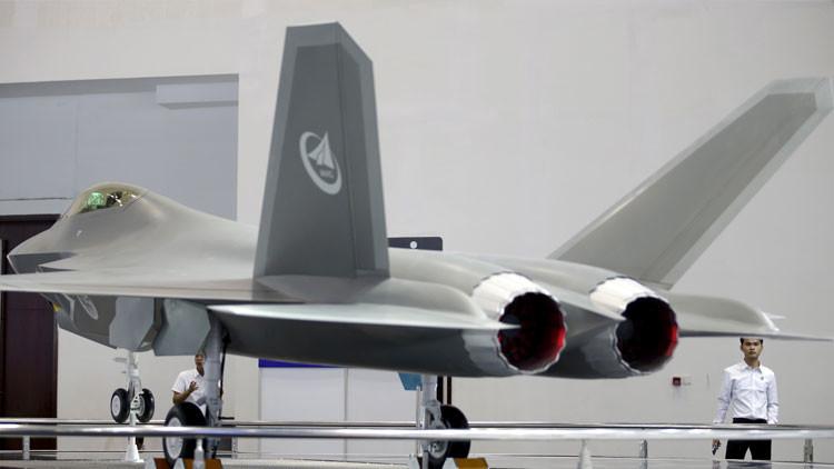 """""""Mala noticia para los radares"""": crean en China una 'capa invisible' para los aviones furtivos"""