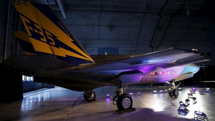 """""""Caro y lento"""": El programa del F-35 de EE.UU., al borde del colapso"""
