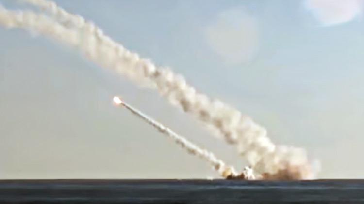 Rusia muestra sus primeros ataques desde un submarino al Estado Islámico (video)
