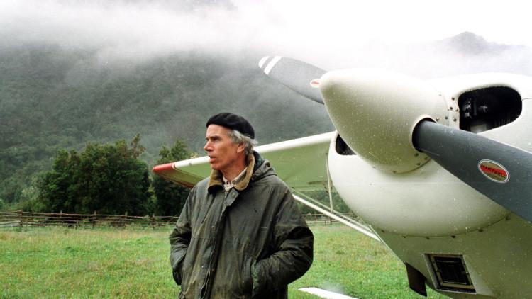 El multimillonario Douglas Tompkins muere en Chile tras volcarse su kayak en un lago