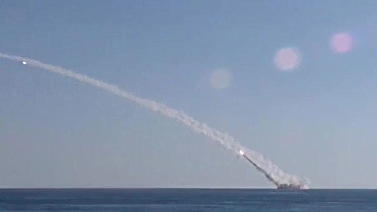 Bombas guiadas y misiles: Rusia arrasa 204 objetivos del Estado Islámico en las últimas 24 horas