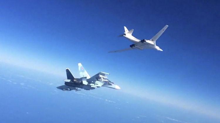 """Rusia insta a la coalición internacional a """"mostrar las cartas"""" de su juego con el Estado Islámico"""