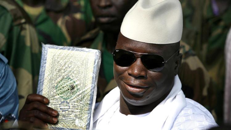 """Presidente de Gambia: """"Los vaqueros y la ropa interior hacen infértiles a nuestras mujeres"""""""