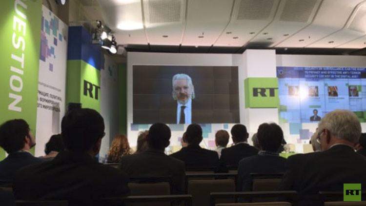Julian Assange explica por qué Turquía derribó el bombardero ruso Su-24