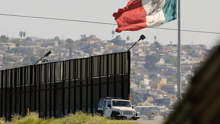 Desde México con drogas: detienen a un joven estadounidense con heroína en la frontera californiana