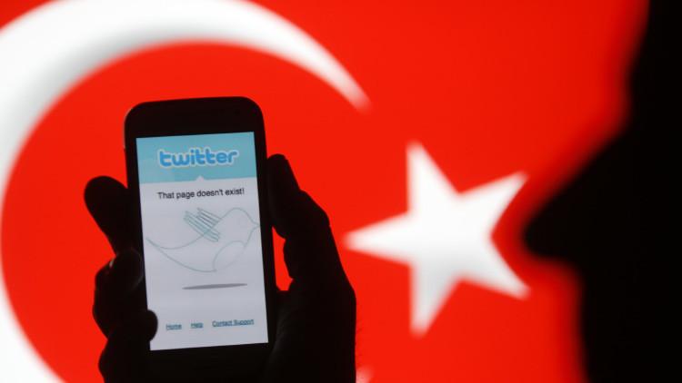 Turquía multa a Twitter por propaganda terrorista