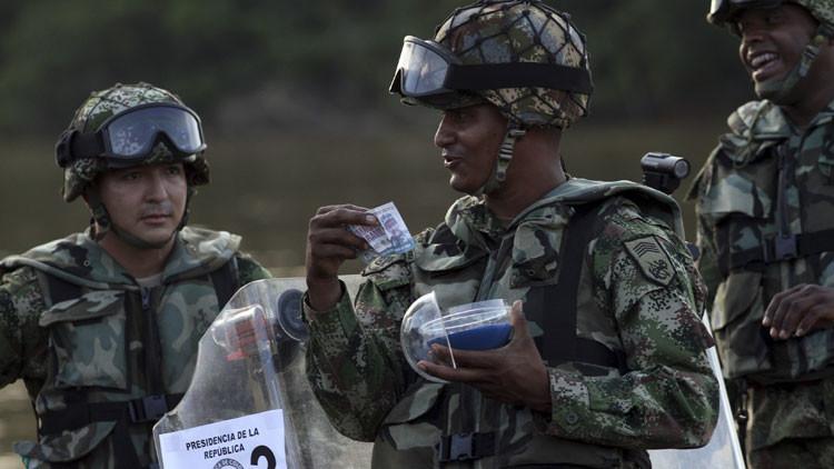 Estrategia y precisión: ¿En qué consiste la participación del Reino Unido en la guerra en Colombia?