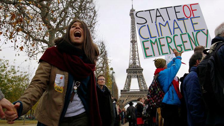 """Día histórico: aprueban en París """"la respuesta global a la amenaza del cambio climático"""""""