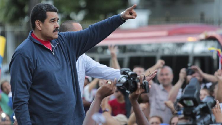 Maduro advierte de una grave crisis en Venezuela tras la victoria de la oposición