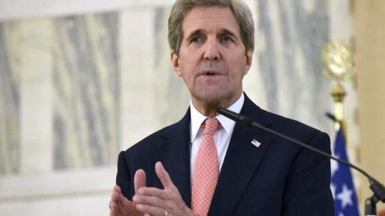 """John Kerry: Donald Trump """"pone en peligro la seguridad nacional"""" de EE.UU."""