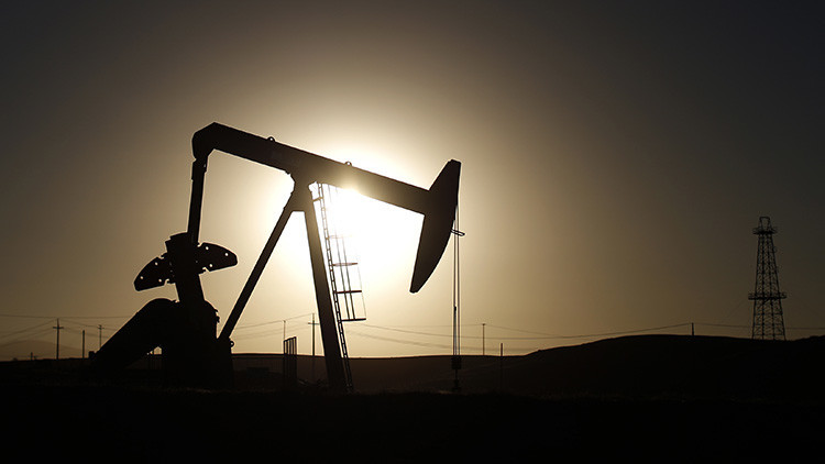 El petróleo Brent cae por debajo de los 38 dólares por barril por primera vez desde 2008