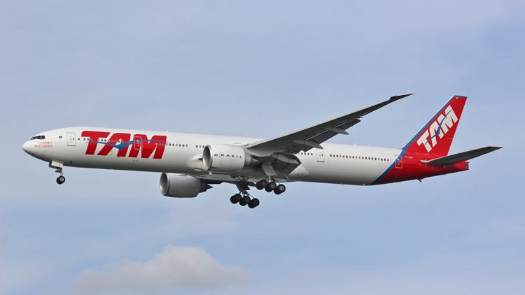 Un vuelo de Madrid a San Pablo es desviado por una amenaza de bomba