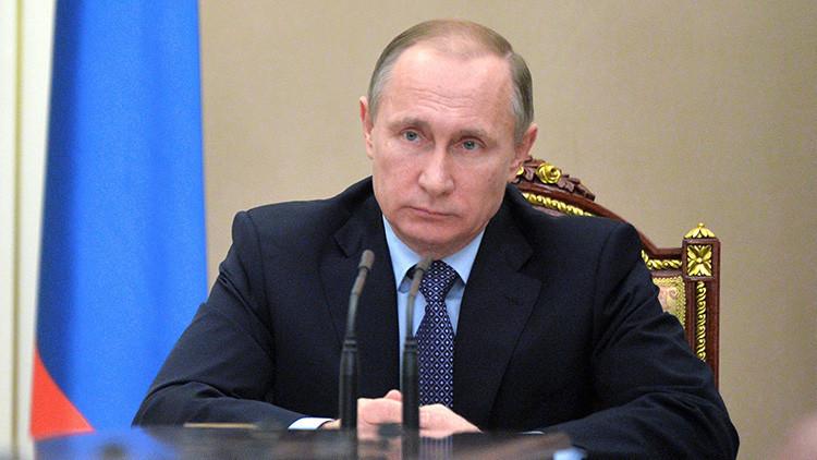 """Putin: """"Rusia y EE.UU. tratan de hallar una salida a las crisis más complejas"""""""