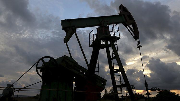 """La guerra petrolera: """"El juego de Arabia Saudita es muy, muy arriesgado"""""""