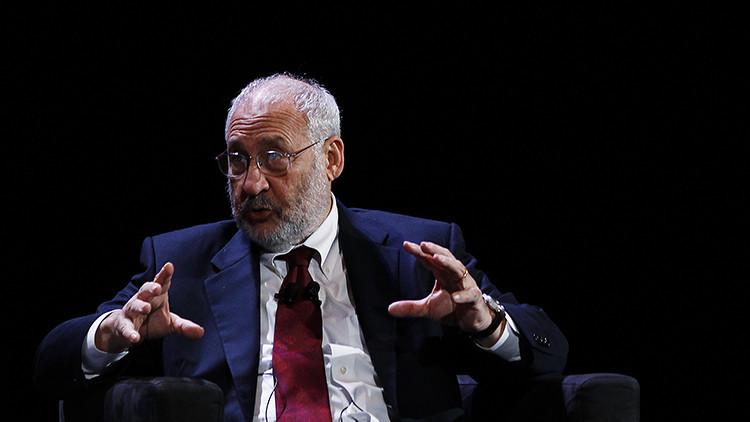 El premio Nobel de Economía en 2001 Joseph Stiglitz