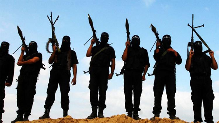 El Estado Islámico planea apoderarse de yacimientos petrolíferos fuera de Siria