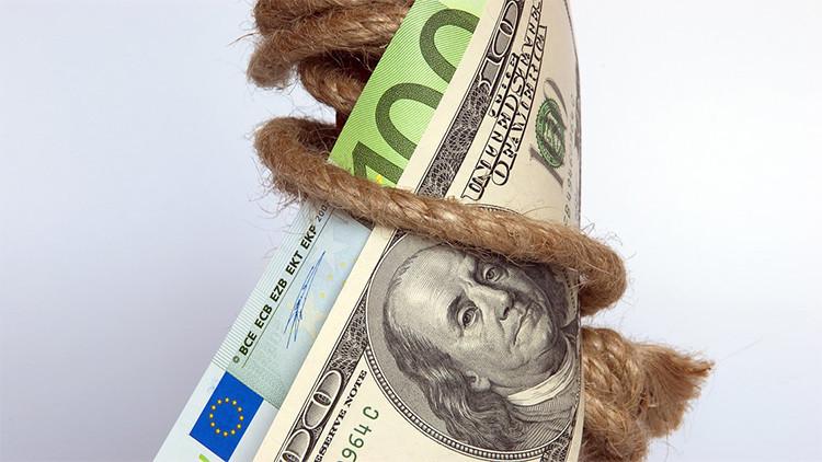 Malos augurios: 100 dólares el barril de crudo, el dólar cae, la pobreza gana
