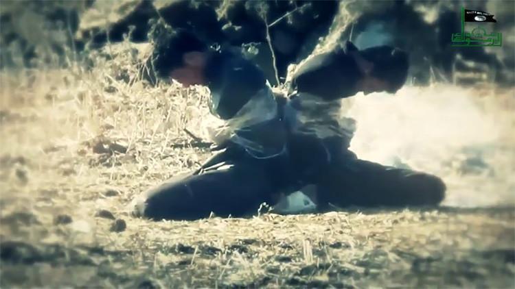Otra atrocidad del EI: en un video exhibió la ejecución con explosivos de tres prisioneros
