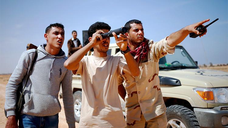 Combatientes de la organización rebelde Amanecer Libio