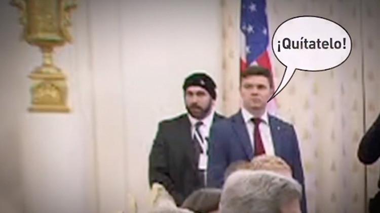¡Quítate el gorro!: Un guardaespaldas de Kerry se roba el 'show' en el encuentro con Lavrov en Moscú