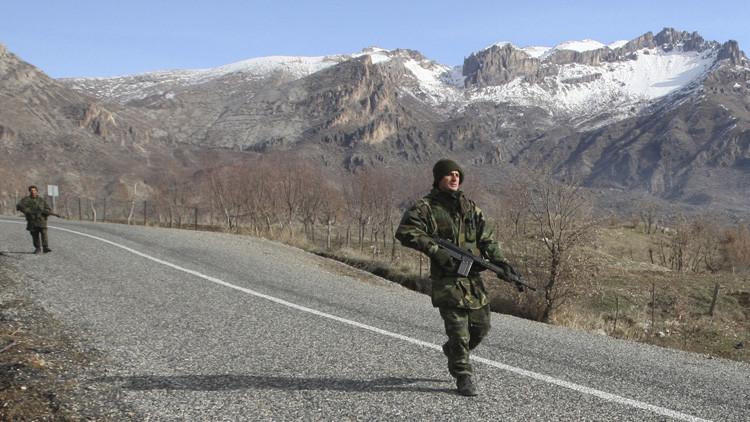 Obama insta a Erdogan a retirar las tropas turcas de Irak