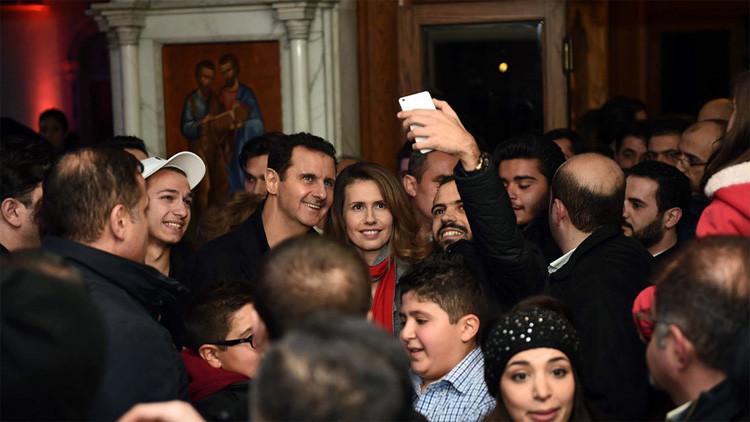 Fotos: Bashar al Assad y una visita sorpresa a una iglesia de Damasco en vísperas de Navidad