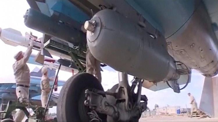 Ingenieros militares rusos en la base aérea Hmeymim, en Siria