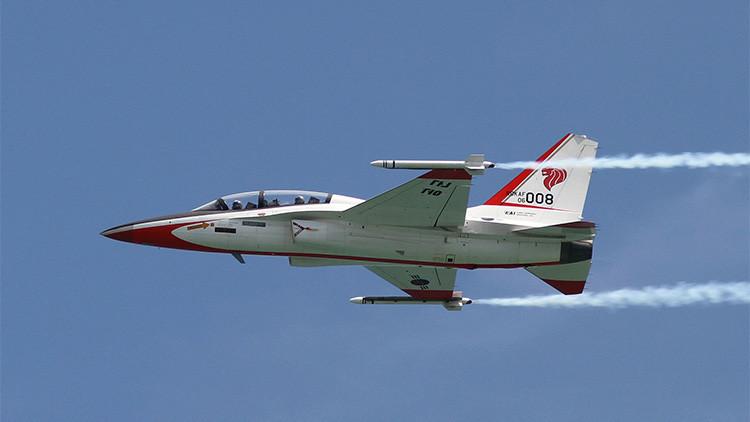 VIDEO: Se estrella un avión de combate en una exhibición aérea en Indonesia